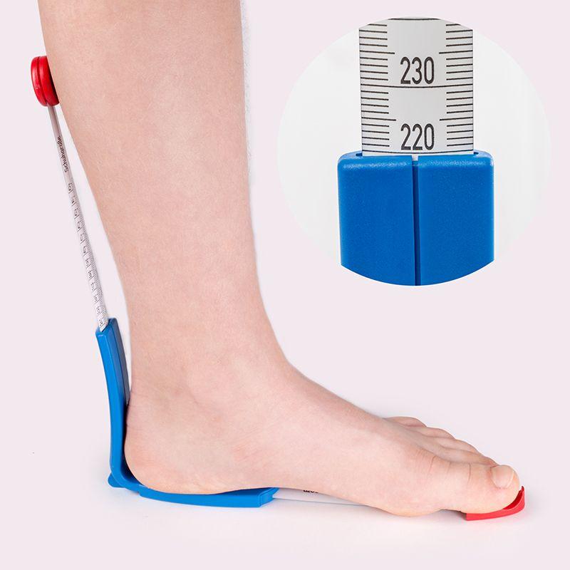Bild vom plus12 Fuß- und Innenschuhmeßgerät mit einem Fuß
