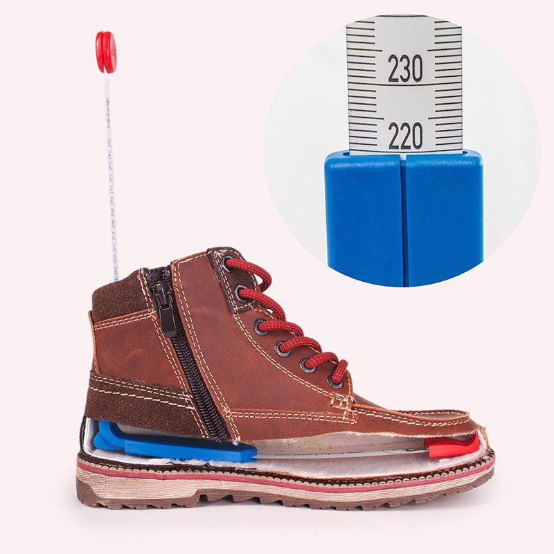 Bild vom plus12 Inneschuhmeßgerät in einem Schuh